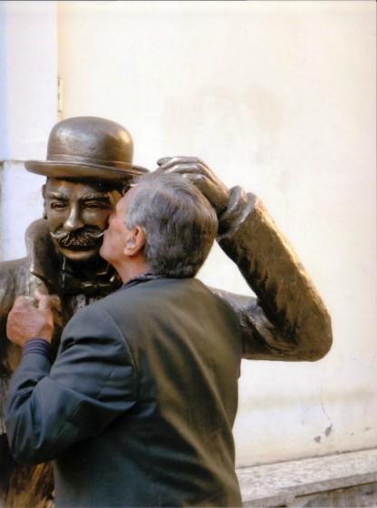 Pasetto e Salgari, il bacio